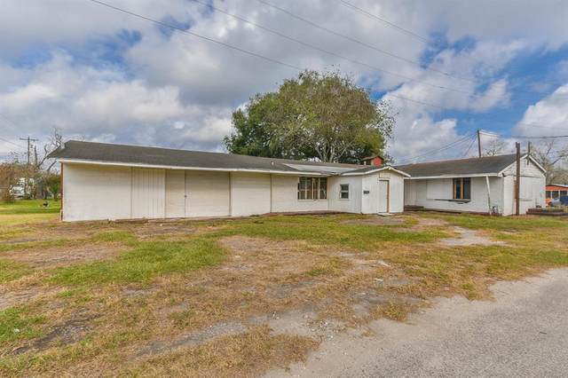108 1/2 W 1st St, Sweeny, TX 77480 (MLS #80539268) :: The SOLD by George Team