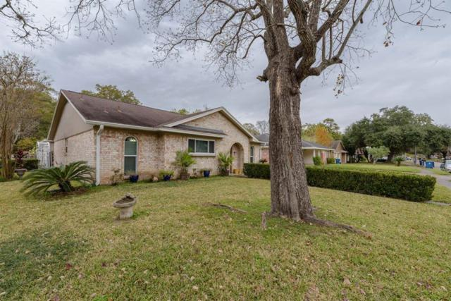 412 Travis Street Street, Webster, TX 77598 (MLS #8054474) :: The Kevin Allen Jones Home Team
