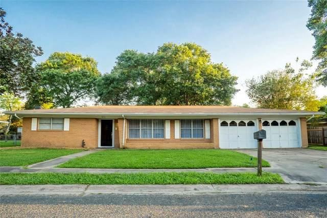 915 Roberts Street, El Campo, TX 77437 (MLS #80560827) :: Giorgi Real Estate Group