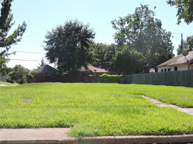 3201 Indiana Street, Baytown, TX 77520 (MLS #80676911) :: The SOLD by George Team
