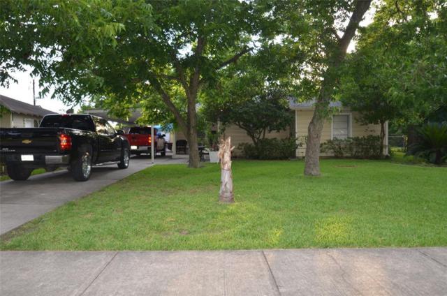 710 Garrett Street, Pasadena, TX 77506 (MLS #80797993) :: The SOLD by George Team