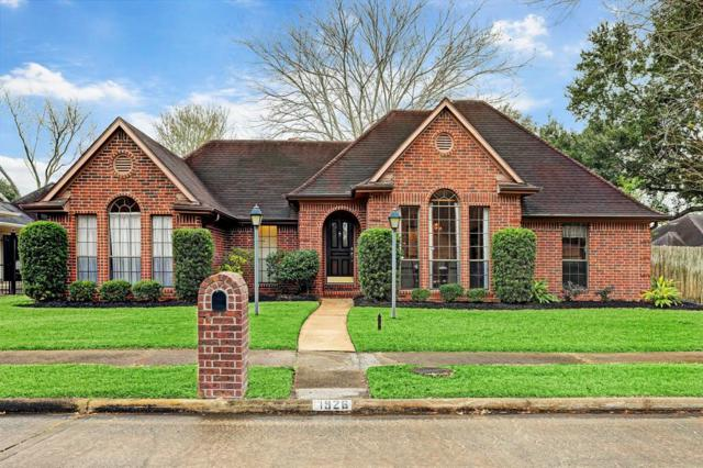 1926 Prairie Creek Drive, Pearland, TX 77581 (MLS #81224219) :: The Queen Team