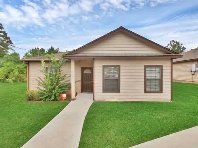 3130 Molly Drive, Huntsville, TX 77340 (MLS #81296398) :: The Sansone Group