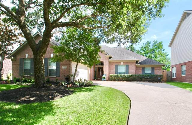 2920 Autumn Creek Drive, Friendswood, TX 77546 (MLS #81391320) :: The Bly Team