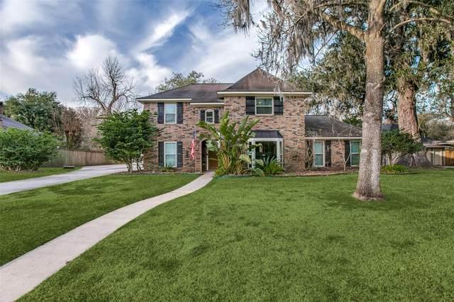 129 Arrowwood Street, Lake Jackson, TX 77566 (MLS #81393699) :: Homemax Properties