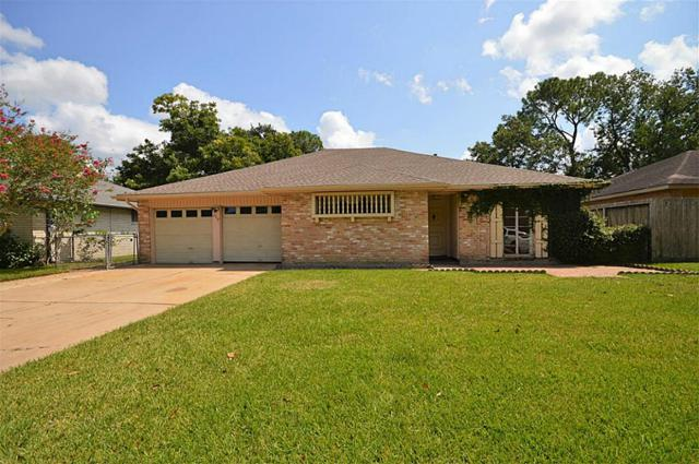 209 Stonehenge Lane, Friendswood, TX 77546 (MLS #81410544) :: Texas Home Shop Realty
