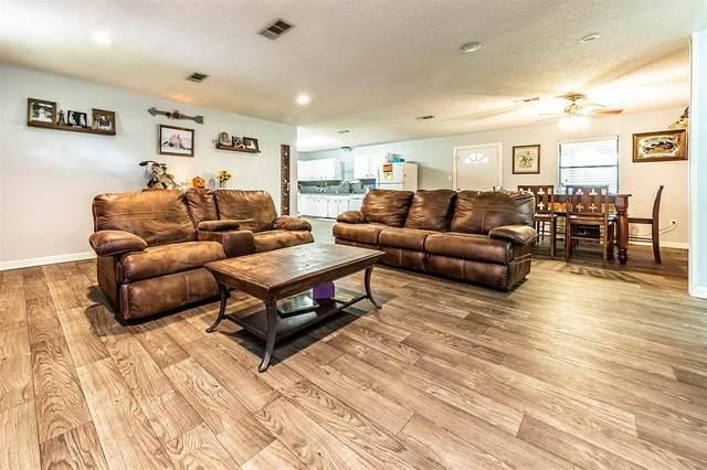 6610 Avenue C 1/2, Santa Fe, TX 77510 (MLS #81560178) :: The Freund Group