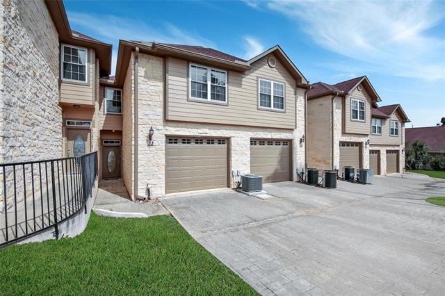 17570 Highway 105 W #33, Conroe, TX 77356 (MLS #81587105) :: Fairwater Westmont Real Estate