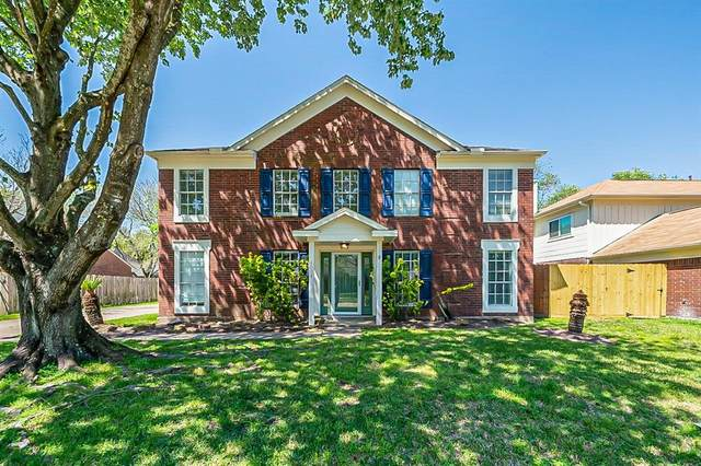 4004 Ashwood Drive, Pearland, TX 77584 (MLS #81614491) :: Ellison Real Estate Team