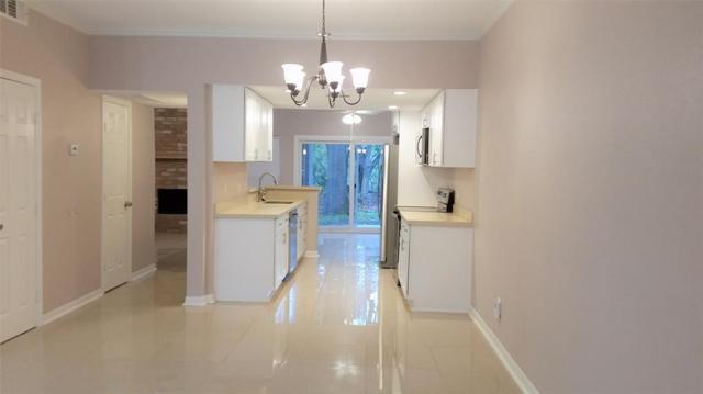 1804 Stoney Brook Drive #107, Houston, TX 77063 (MLS #81644768) :: Fairwater Westmont Real Estate