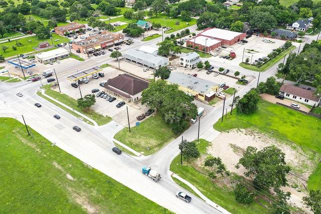 30402 E Front Street, Fulshear, TX 77441 (MLS #81810542) :: My BCS Home Real Estate Group