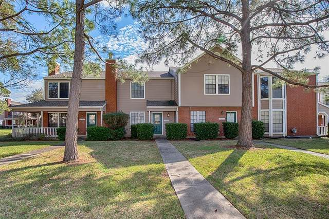 17225 Saturn Lane, Houston, TX 77058 (MLS #81842955) :: The SOLD by George Team