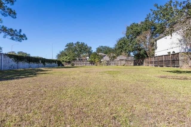 8114 Fondren Lake Drive, Houston, TX 77071 (MLS #81872893) :: Michele Harmon Team