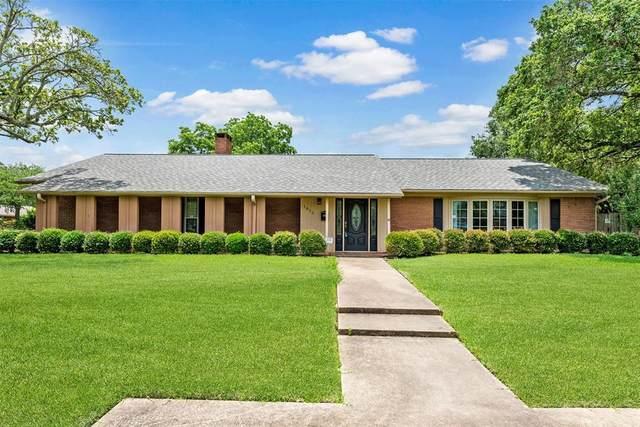 1816 Frost Street, Rosenberg, TX 77471 (MLS #8188189) :: The SOLD by George Team