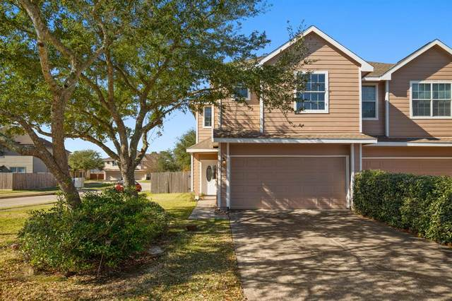 331 Capella Oaks Lane, Dickinson, TX 77539 (MLS #81905471) :: The Freund Group