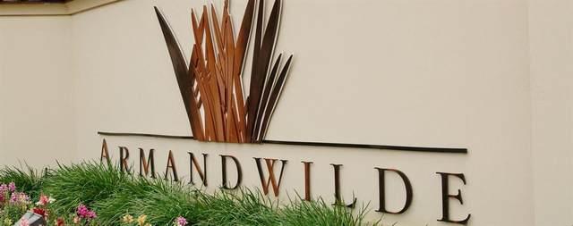 10 Elderwood Drive, Pasadena, TX 77058 (MLS #82014756) :: Green Residential