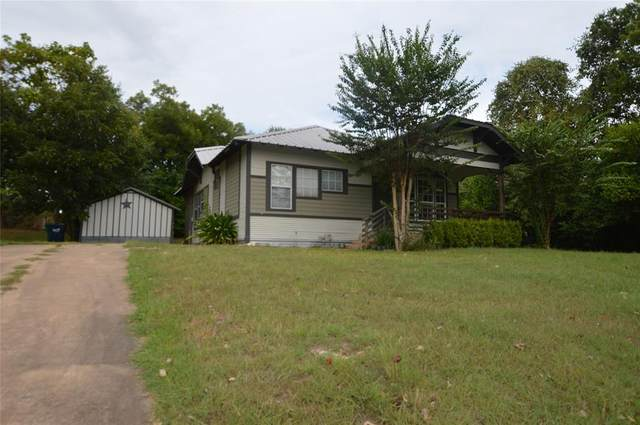 209 Joseph Street, Brenham, TX 77833 (MLS #82211162) :: My BCS Home Real Estate Group