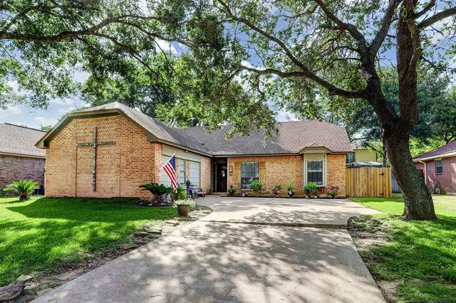 1305 Shadowlake Drive, Sealy, TX 77474 (MLS #82233826) :: The SOLD by George Team
