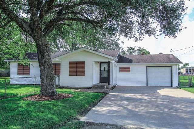 919 Newton, Alvin, TX 77511 (MLS #82367662) :: Texas Home Shop Realty