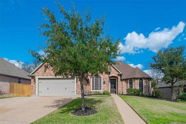 3202 Woodcrest Drive, Bryan, TX 77802 (MLS #82418890) :: Ellison Real Estate Team