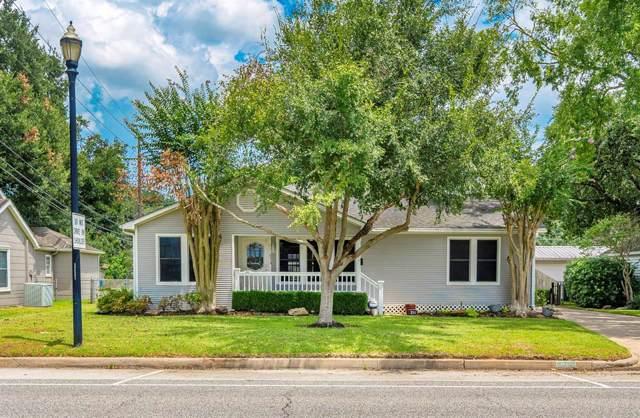 211 Brooks Street, Sugar Land, TX 77478 (MLS #82491526) :: The Sansone Group