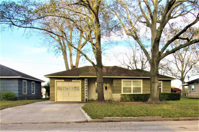 1212 Merchant Street, El Campo, TX 77437 (MLS #8249381) :: Fairwater Westmont Real Estate