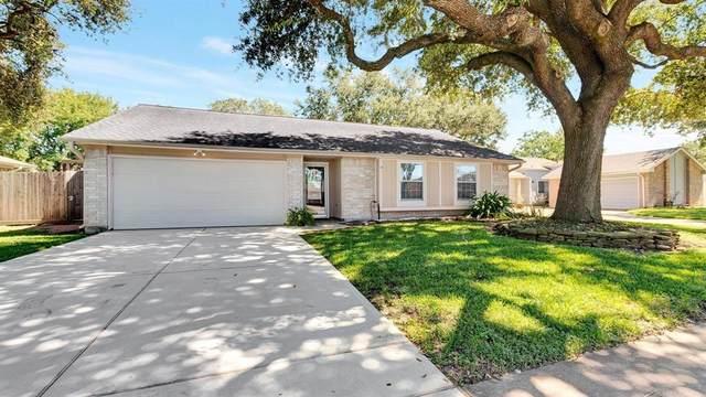 104 Oak Harbor Drive, Houston, TX 77062 (MLS #82538394) :: Connect Realty