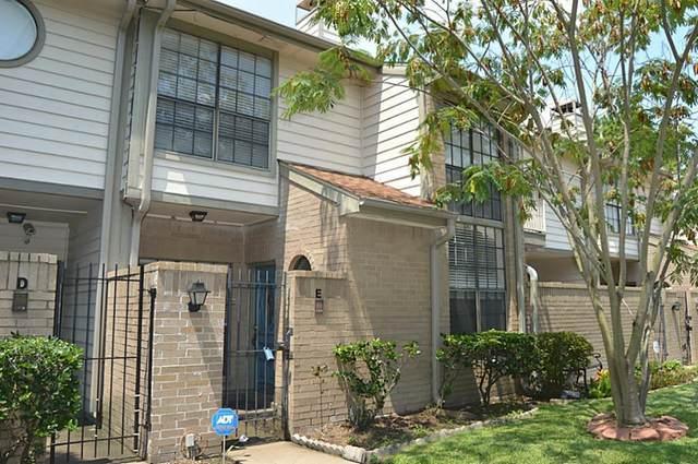 736 Country Place Drive E, Houston, TX 77079 (MLS #82561372) :: TEXdot Realtors, Inc.