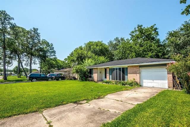 16926 Tibet Road, Friendswood, TX 77546 (MLS #82654388) :: Texas Home Shop Realty