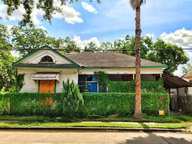 207 S Lockwood Drive, Houston, TX 77011 (MLS #82690449) :: The Heyl Group at Keller Williams