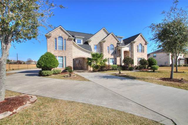 3921 Pebble Brook Drive, League City, TX 77573 (MLS #82692676) :: The Freund Group