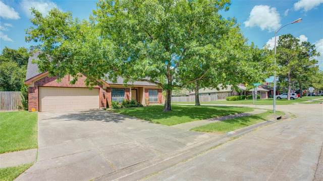 4719 Northfork Drive, Pearland, TX 77584 (MLS #82695315) :: The SOLD by George Team