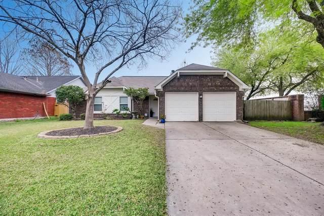 2935 Auburn Drive, Pearland, TX 77584 (MLS #8270531) :: CORE Realty