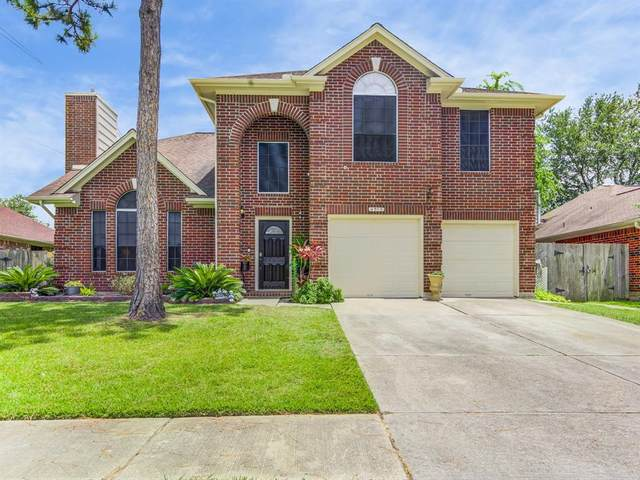 4503 Sugar Bars Drive, Friendswood, TX 77546 (MLS #82754539) :: The SOLD by George Team