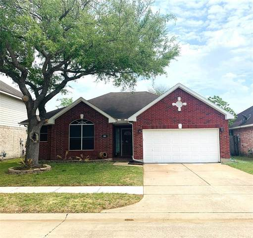 915 Portsmouth Drive, Pearland, TX 77584 (MLS #82807874) :: Ellison Real Estate Team