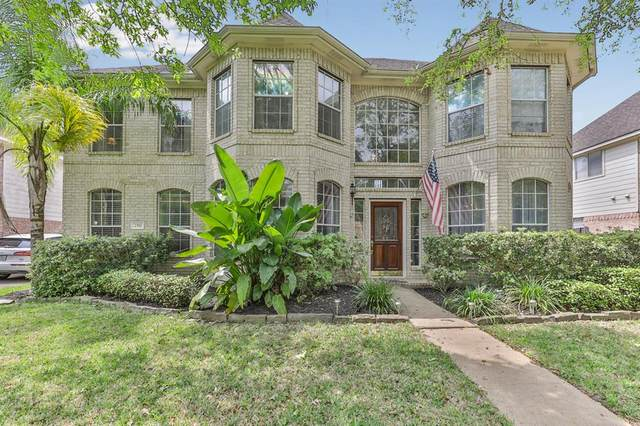 2517 La Rochelle Court, Seabrook, TX 77586 (MLS #82817272) :: The SOLD by George Team