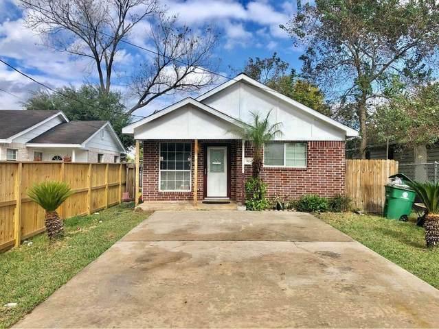 9045 Hollock Street, Houston, TX 77075 (MLS #82817360) :: Michele Harmon Team