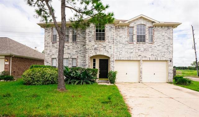 3019 Glenwood Drive, Pearland, TX 77584 (MLS #82822297) :: The Freund Group