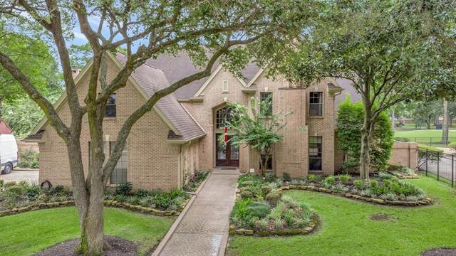1906 Orchard Country Lane, Houston, TX 77062 (MLS #82991061) :: Connect Realty