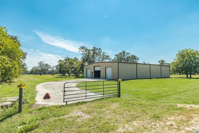 10335 County Road 505, Sweeny, TX 77422 (MLS #83061377) :: Green Residential