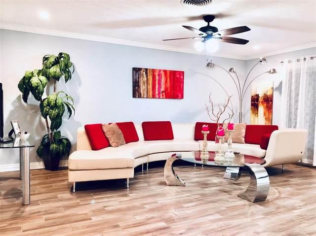 9118 Mcavoy Drive, Houston, TX 77074 (MLS #83144365) :: Ellison Real Estate Team