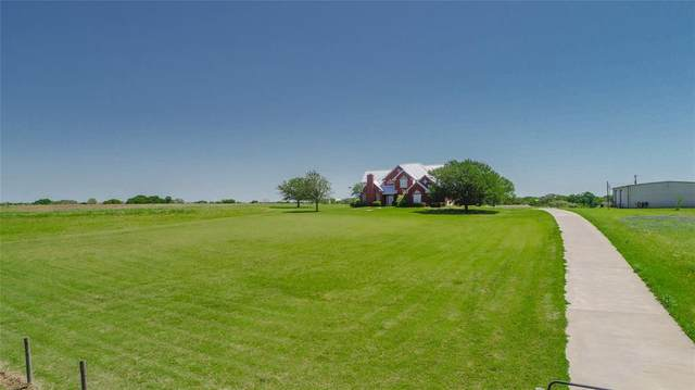 5800 Cedar Hill Road, Brenham, TX 77833 (MLS #83270080) :: Michele Harmon Team