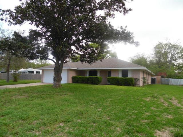 102 Bayou Glen Street, Hitchcock, TX 77563 (MLS #83462589) :: Texas Home Shop Realty