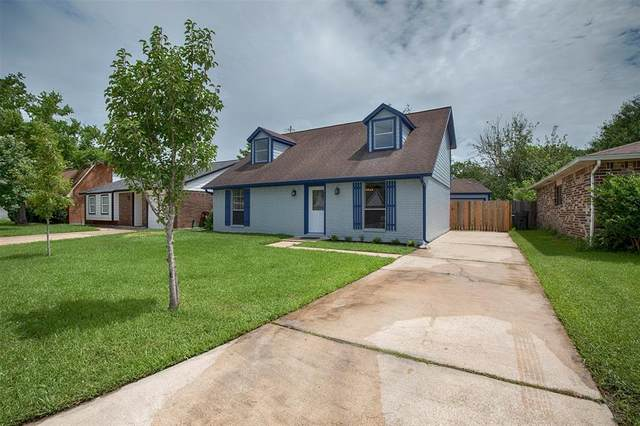 4811 Moody Reef Drive, Bacliff, TX 77518 (MLS #83471694) :: The SOLD by George Team