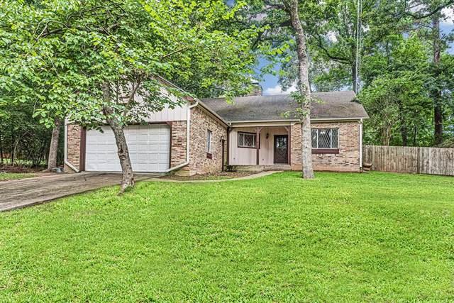1836 East Lake Drive, Huntsville, TX 77340 (MLS #83483931) :: The Property Guys