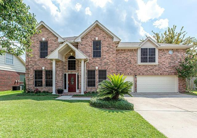1810 Oakleaf Circle N, Pearland, TX 77581 (MLS #83507801) :: The Kevin Allen Jones Home Team