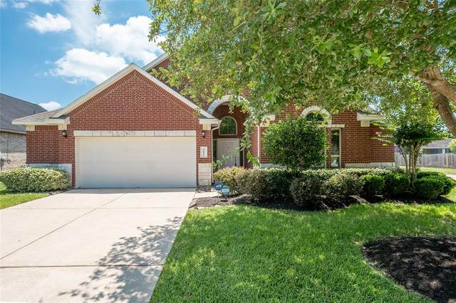 12812 Southport Drive, Pearland, TX 77584 (MLS #83518475) :: The Bly Team