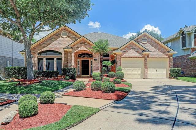 304 Vantage Pointe Circle, League City, TX 77573 (MLS #83572495) :: Ellison Real Estate Team