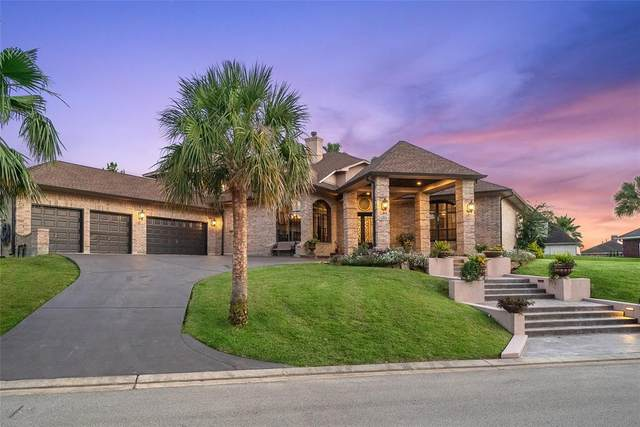 12399 Pebble View Drive, Conroe, TX 77304 (MLS #83615806) :: The Queen Team