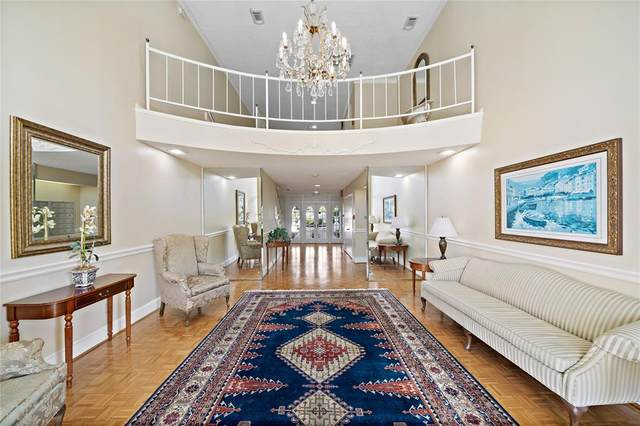 2600 Bellefontaine Street C14, Houston, TX 77025 (MLS #83718502) :: The SOLD by George Team